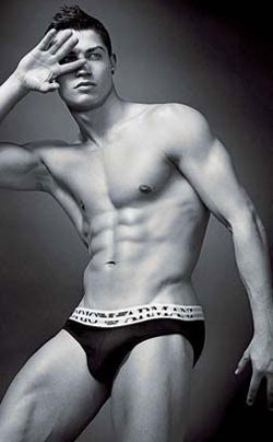 Is Christiano's New Armani Campaign Sexier Than David's? 2010-01-13 15:45:00