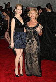 Elizabeth Banks in Alberta Ferretti with the designer
