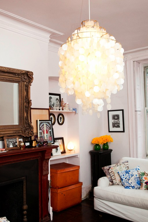 "Vogue's Sally Singer Shows Off Apartment, Discourages ""Yo-Yo Dieting"""