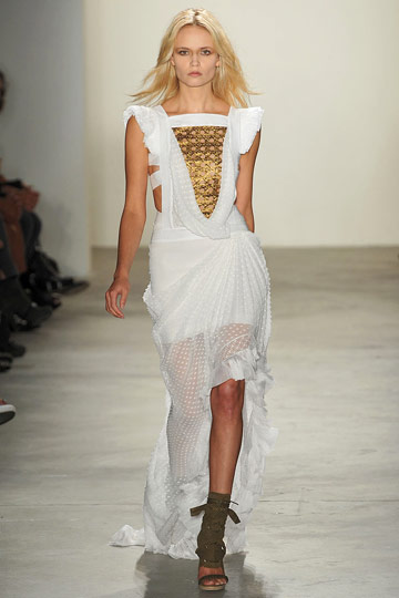 Altuzarra Grows In a New, Seventies-Inspired Direction for Spring 2009
