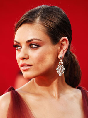 Pictures of Mila Kunis&#039;s Ponytail at the 2009 Emmys