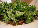 Easy Arugula Blue Cheese Crostini Recipe