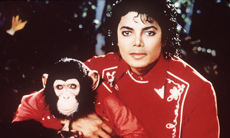 In 1985, Michael rescued a 3-year-old chimp and named him Bubbles. The two were inseparable for years.