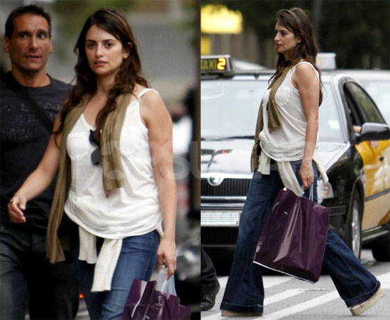Photos of Penelope Cruz Shopping