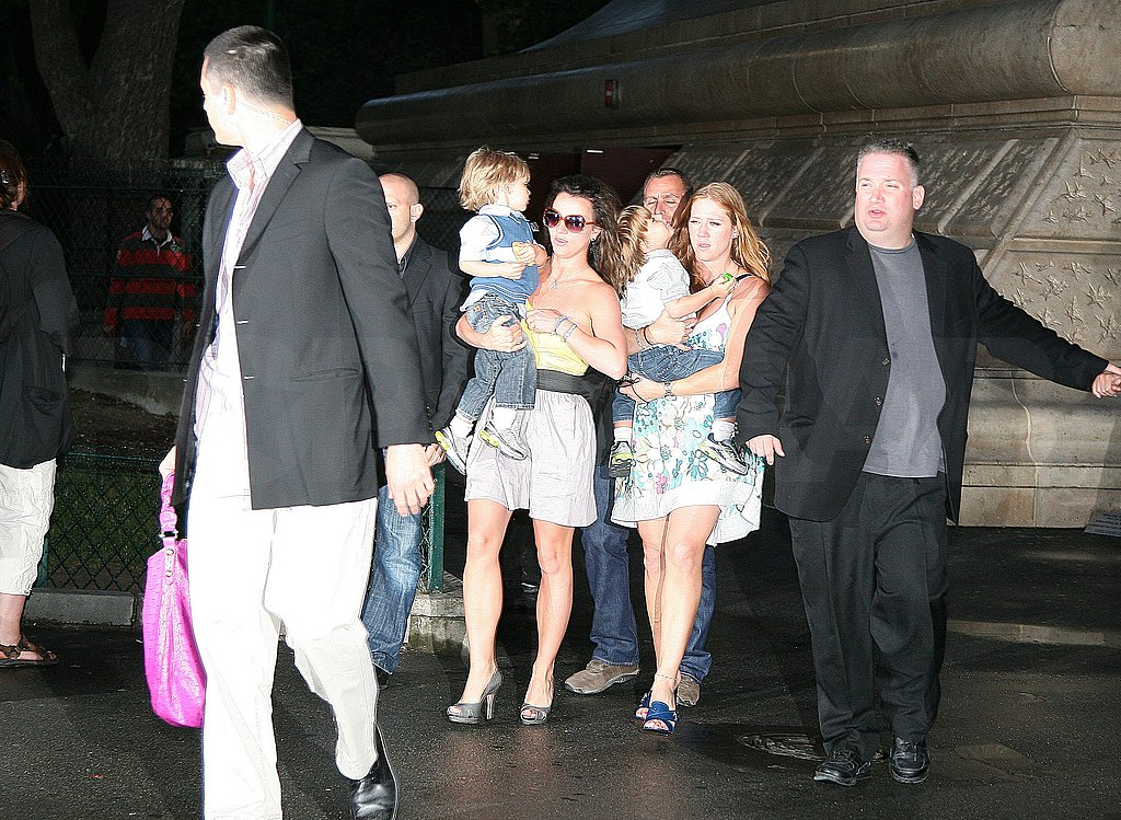 Photos of Britney and the Boys at the Eiffel Tower