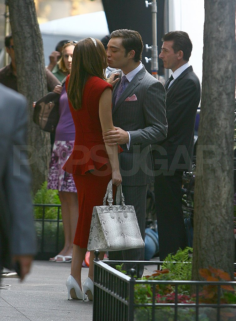 Photos of Ed Westwick and Leighton Meester on the Set of Gossip Girl