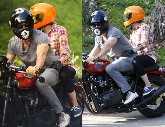 Photos of Ryan Reynolds and Scarlett Johansson
