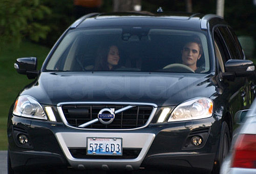 Photos of Robert Pattinson and Kristen Stewart in Car Together on Eclipse Set in Vancouver