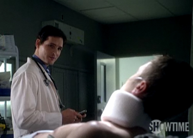 Nurse Jackie Clip Features Peter Facinelli Urged to get an iPhone