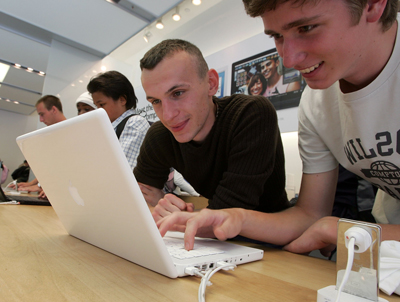State of Maine Gives Apple MacBooks to Public School Students