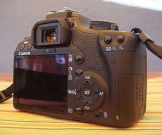 Daily Tech: Is Touch Screen DSLR Inevitable?
