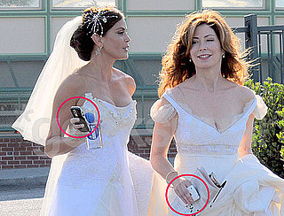 Teri Hatcher and Dana Delany From Desperate Housewives With Their Cell Phones