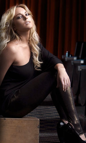 Lindsay Wearing the Gold Glimmer Legging