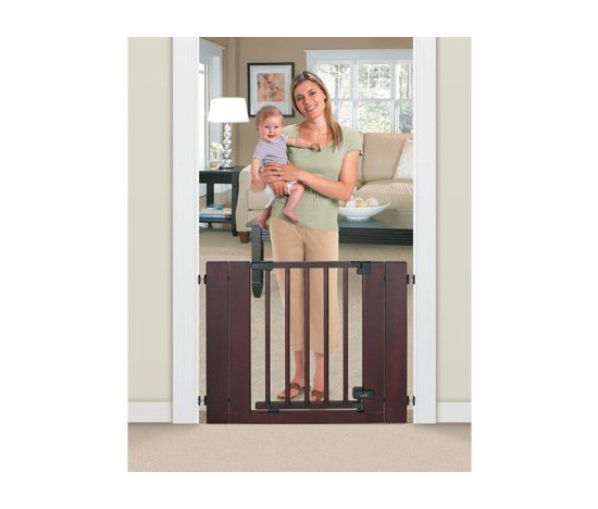 Summer Infant Deluxe Wood Walk-Thru Gate