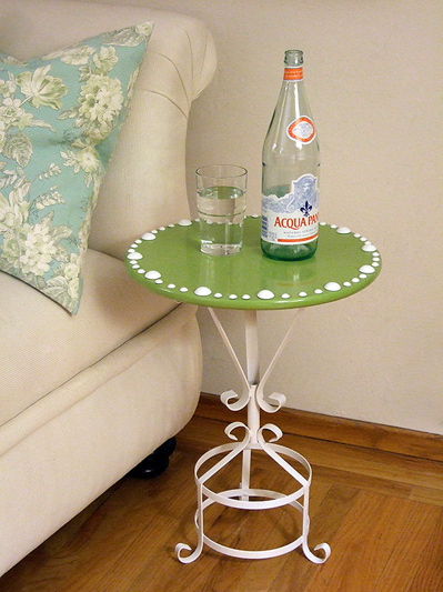 Crafty Nest cobbled together this super cute side table out of some everyday objects. You can, too!