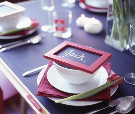 For those of us who can't make a big commitment to the blackboard trend, Canadian House and Home suggests creating these DIY placecards.