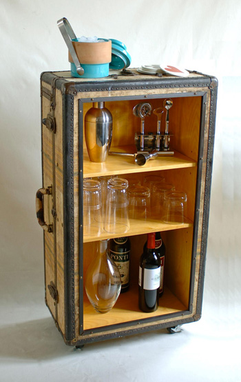 Turn that old trunk into a fab rolling bar with ReadyMade.