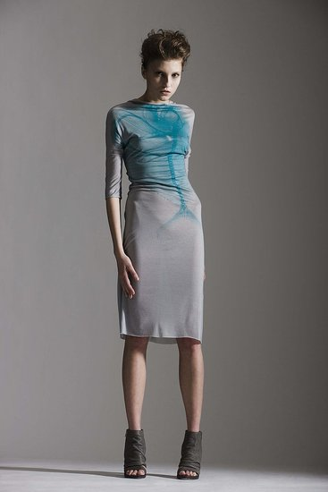 Shelly Steffee Perfects the Art of Multifunctional Fashion for Spring 2010