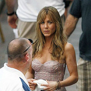 Jennifer Aniston on the set of Marley and Me