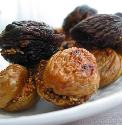 Yummy Link: Baked Figs With Sesame and Almond