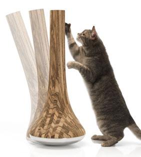 Leo Cat Scratcher