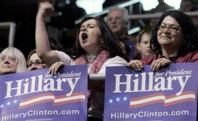 Obama says Clinton should keep running