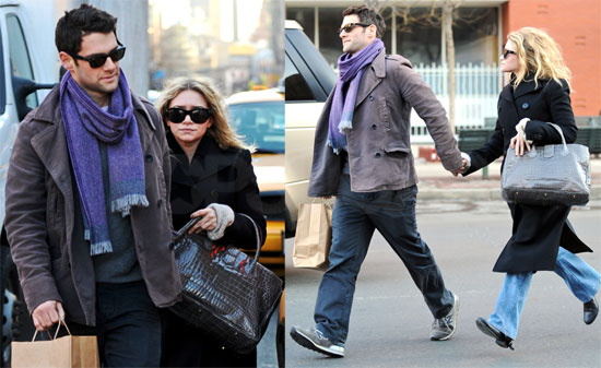 MAry-Kate and Ashley Olsen step out in New York on their birthday 155161