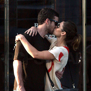 Jessica Biel and Justin Timberlake Kissing