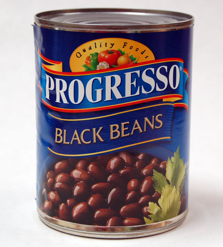 Black beans in can
