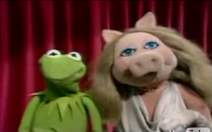 Miss Piggy Sings Peaches