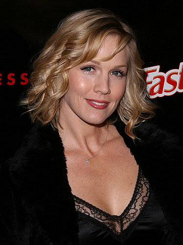 Jennie Garth Leaves CBS Pilot . . . For 90210?