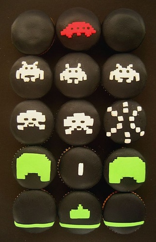 Edible Geek: Space Invaders Cupcakes