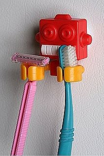 Robot Toothbrush Holder Pulls His Weight in the Loo