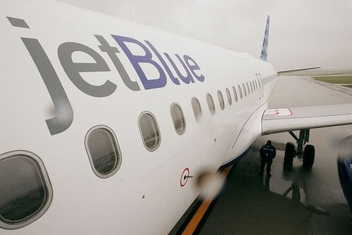 JetBlue CEO Takes 50 Percent Salary Cut