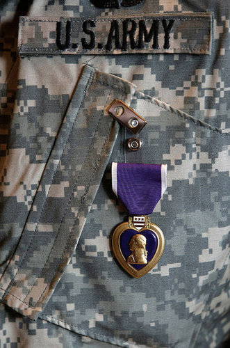 Marine Gives McCain His Purple Heart: True Story of Support