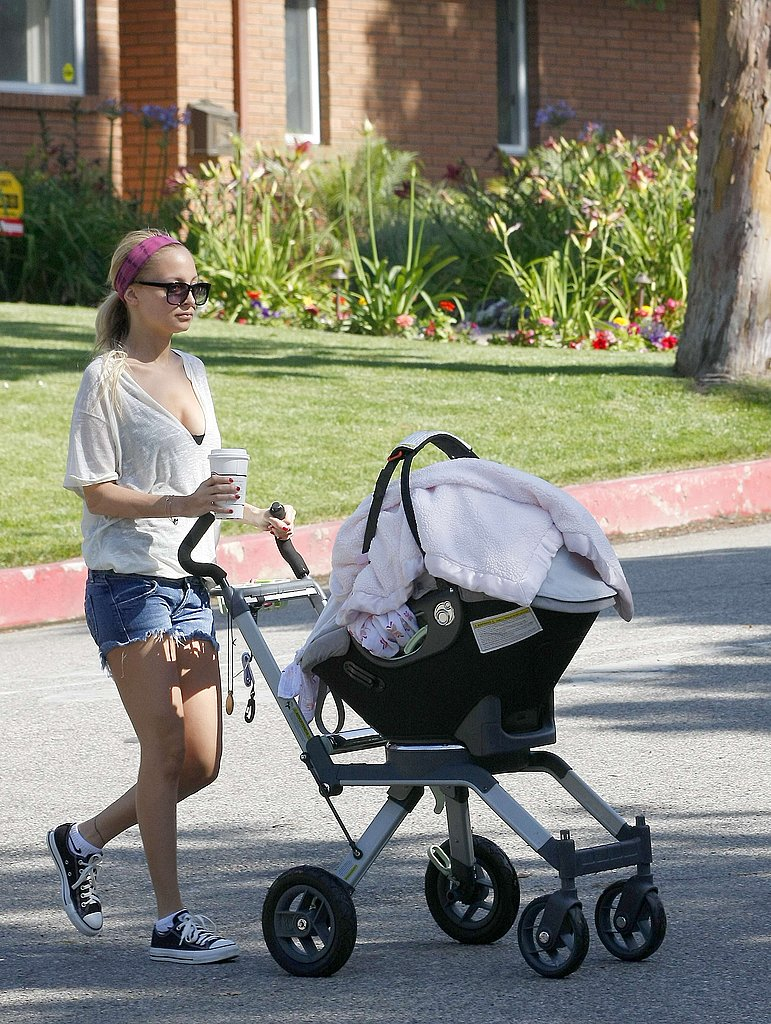 Nicole Richie and Harlow Cruise with Coffee