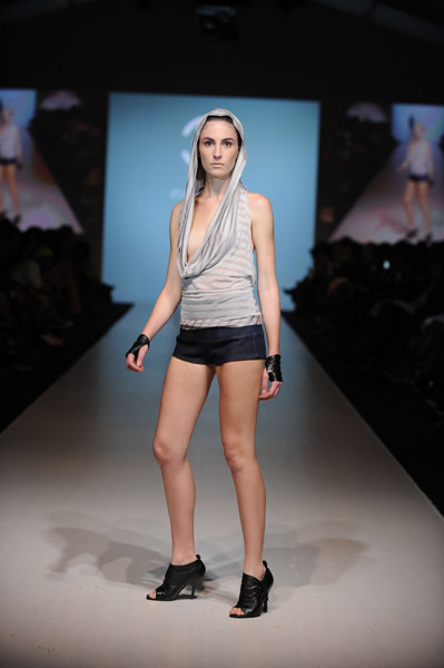 L'Oreal Toronto Fashion Week: Evan Biddell Spring 2009