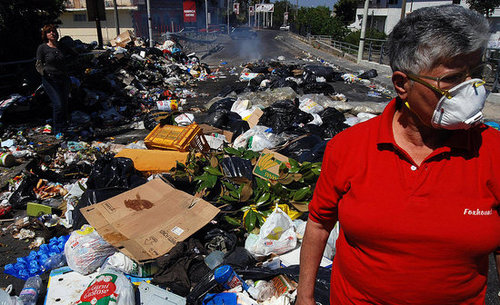 Who's More Trashy: Naples vs. San Francisco