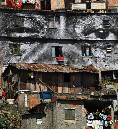 Photos on Impoverished Houses Show Women Are Heroes