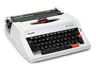 Manual Typewriter: Love It or Leave It?