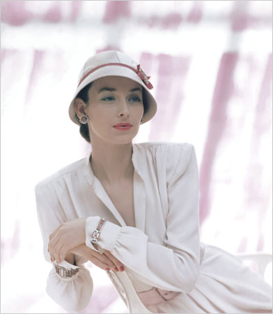 Dorian Leigh, as she appeared on the cover of <i>Vogue</i>, 1946.