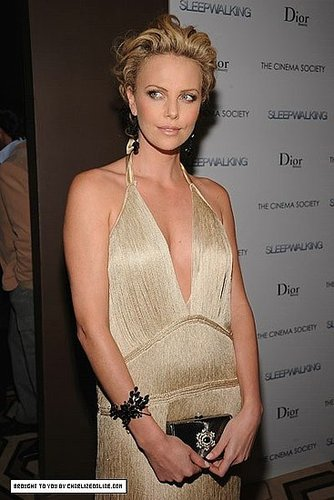 Girls with Style: Charlize Theron