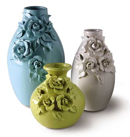 Steal of the Day: Signals Three Rose Vases