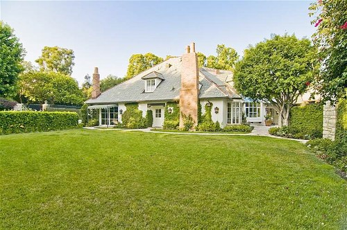 On the Market: Kelsey Grammer's Flipping Out