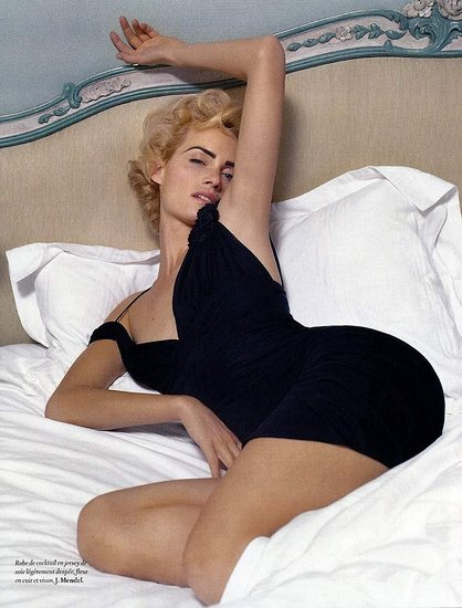 Supermodel Amber Valletta&#039;s Photos, Ads, Magazine Covers