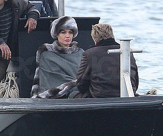 Photo of Angelina Jolie Filming Salt in NYC 2009-04-08 16:50:17
