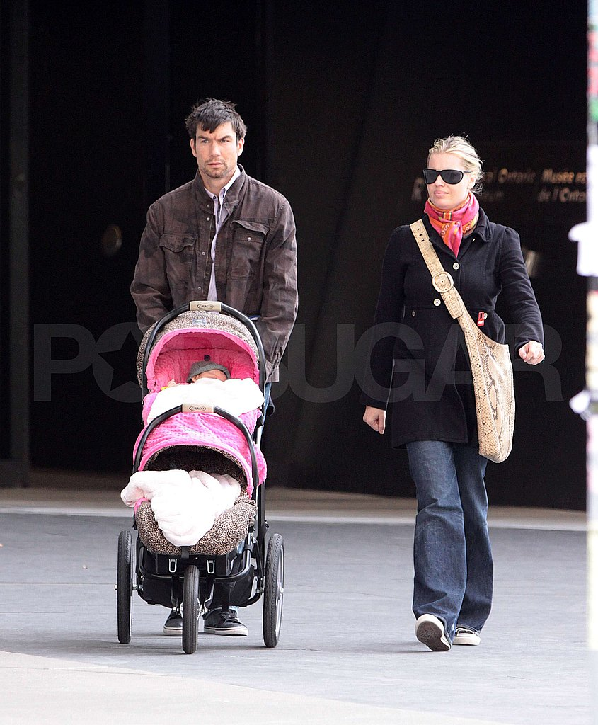 Rebecca Romijn and Jerry O'Connell with Twins