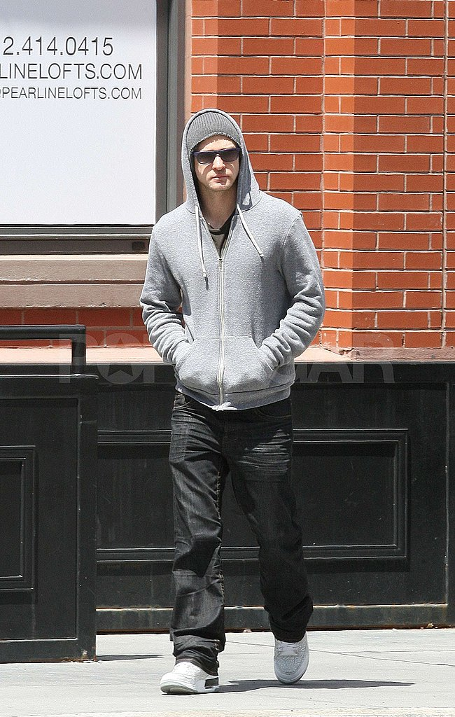 Justin Strolls Through NYC