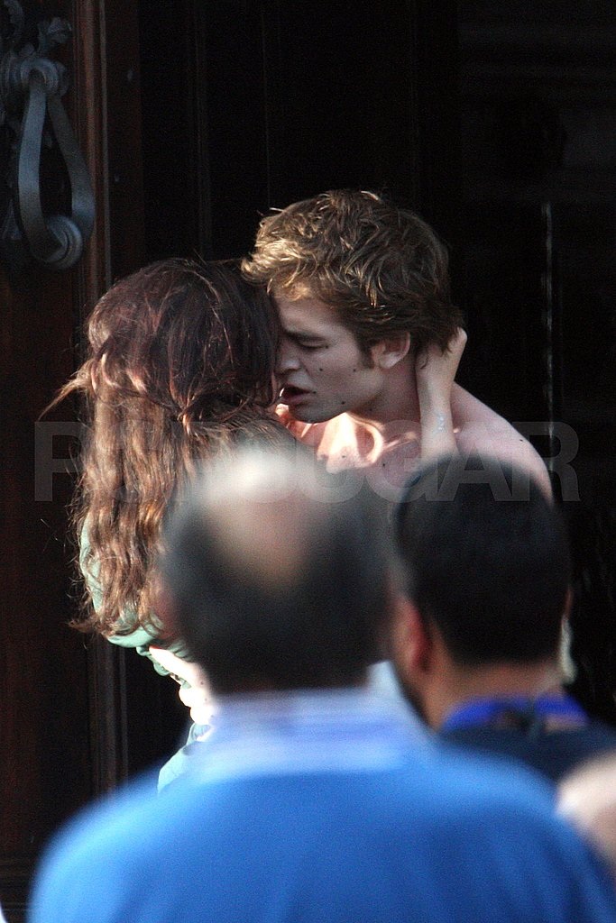 Pattinson Shirtless Kissing Kristen Stewart