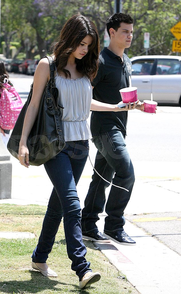 Selena and Taylor Grab a Treat